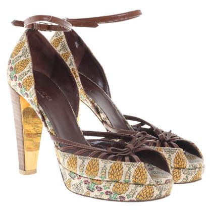 Gucci Peep-dita dei piedi con cinghie di cuoio