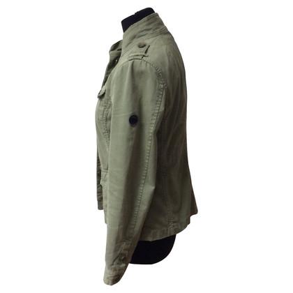 Closed jacket