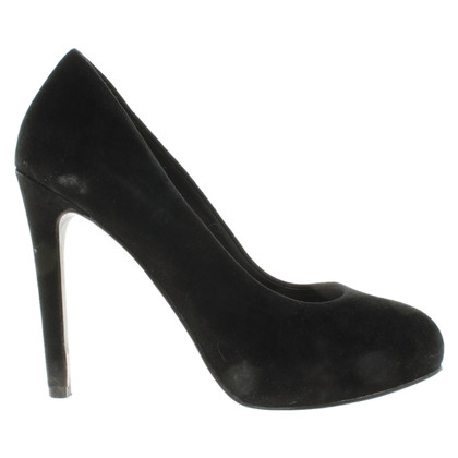 Ash pumps in black