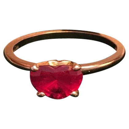 Pomellato Ring with heart gemstone