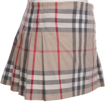 Burberry skirt with pattern
