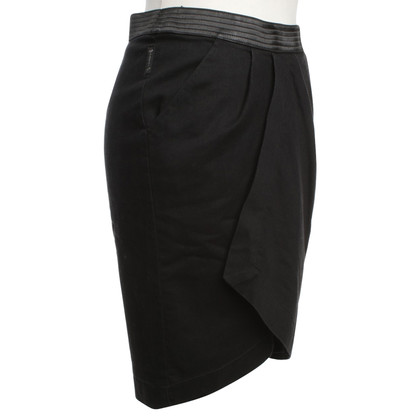 Armani Jeans Pencil skirt in black