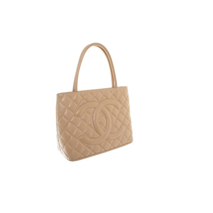 Chanel Handbag with Cannage pattern