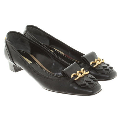 Burberry pumps made of leather