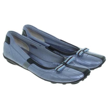 Prada Slipper in Metallic-Blau