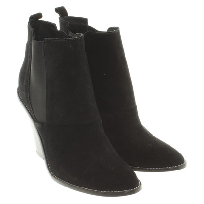 Vanessa Bruno Wild leather ankle boots in black