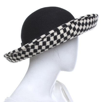 Armani Hat in black and white