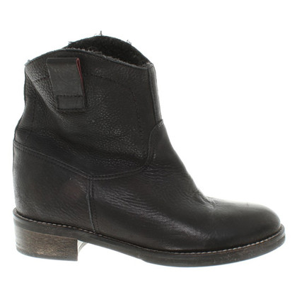 Hugo Boss Boots in Schwarz