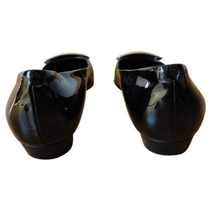 Roger Vivier Black patent leather ballerinas