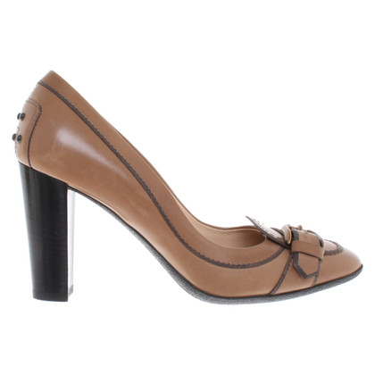 Tod's pumps made of leather
