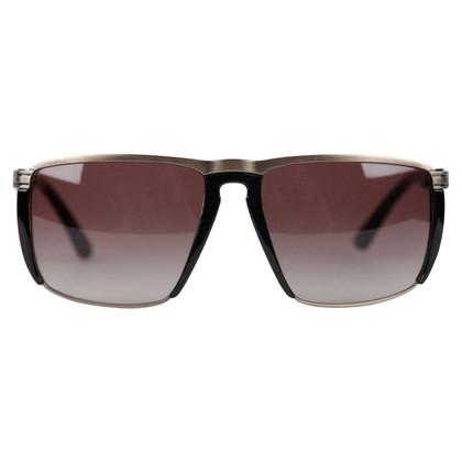 John Galliano Des lunettes de soleil
