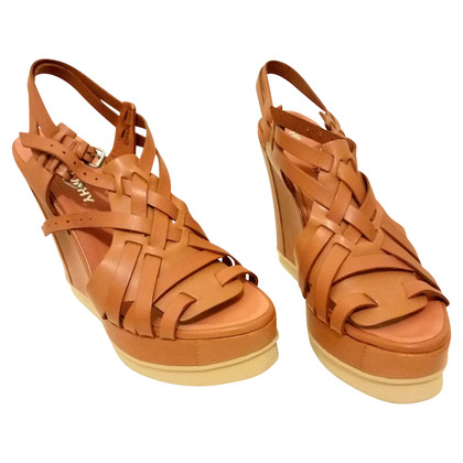 Philosophy di Alberta Ferretti Wedges