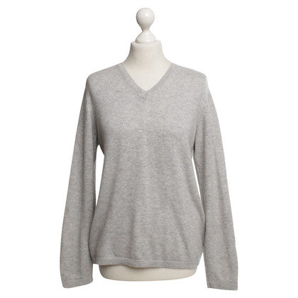 Aquascutum Fine knit sweater in gray
