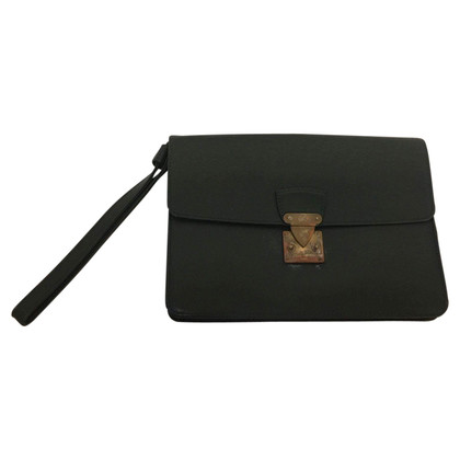 Louis Vuitton Clutch aus Taigaleder