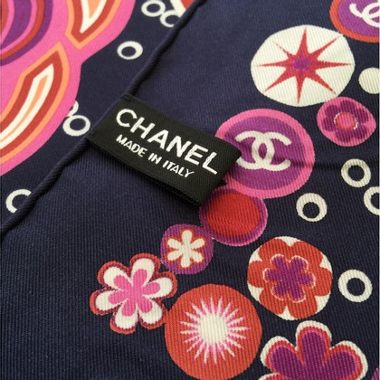 Chanel Seidentuch