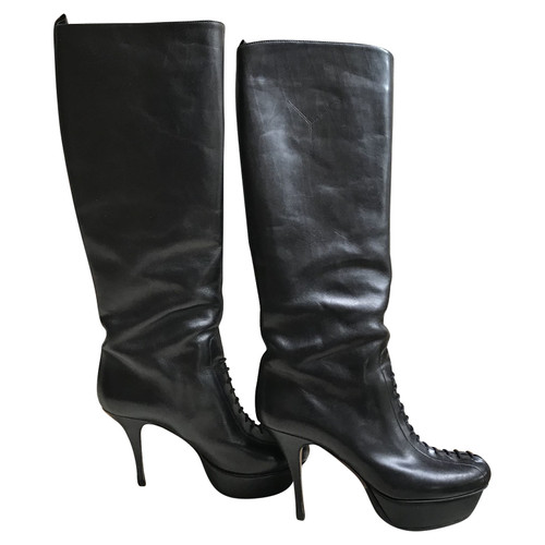 0bd53ec1a87 Yves Saint Laurent Boots Leather in Black - Second Hand Yves Saint ...