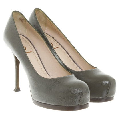 Yves Saint Laurent pumps in olijfgroen