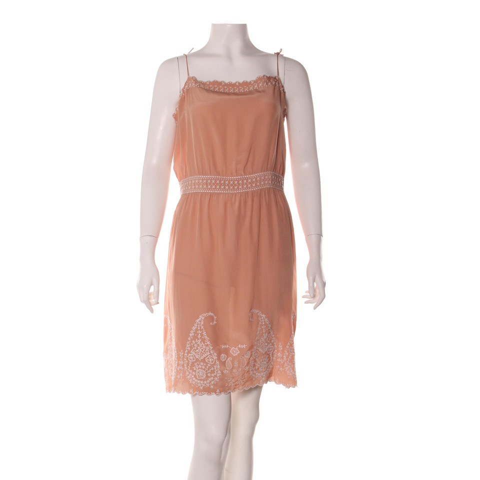 vanessa bruno robe acheter vanessa bruno robe second hand d 39 occasion pour 57 00 2405839. Black Bedroom Furniture Sets. Home Design Ideas