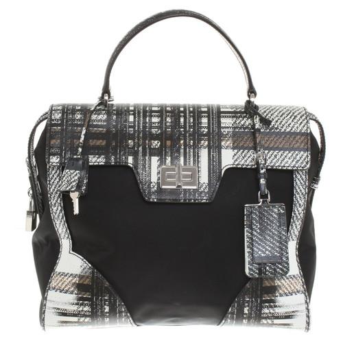 Prada Handbag with print - Second Hand Prada Handbag with print buy ... 31c8d7889964f