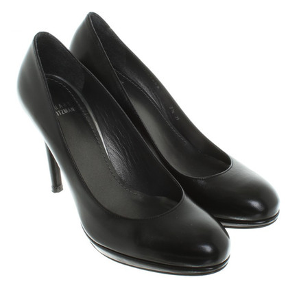 Stuart Weitzman Leather Pumps in Black