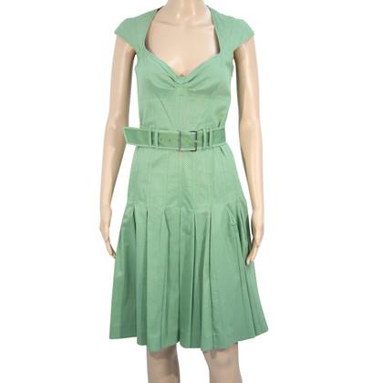 Karen Millen Spot kleding op groen
