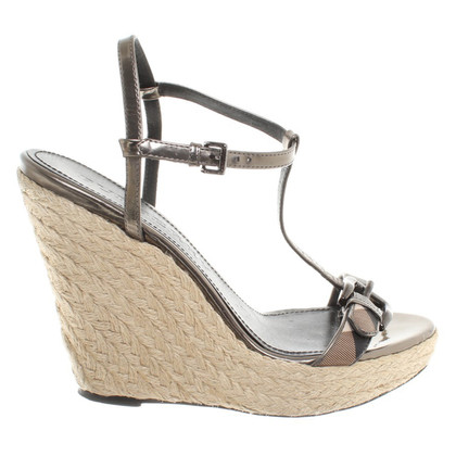 Burberry Wedges in Beige