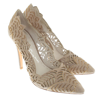 Alice + Olivia Pumps in Beige