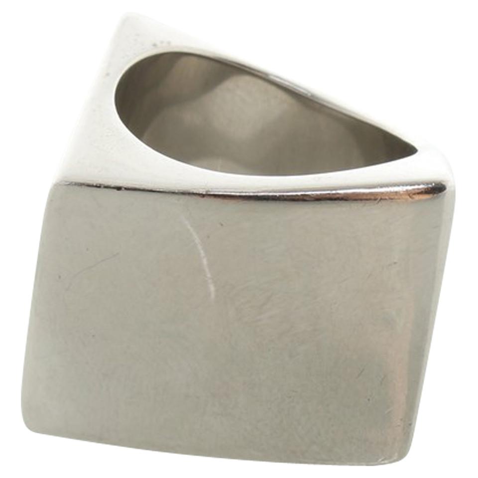 Calvin klein anneau de couleur argent acheter calvin for Peinture couleur argent pour bijoux