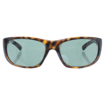 Ray Ban Sunglasses with tortoiseshell pattern