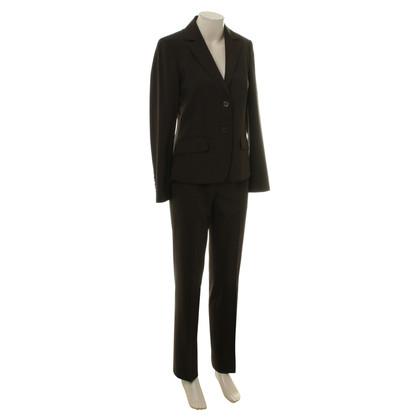 Hugo Boss Klassischer Anzug in Braun