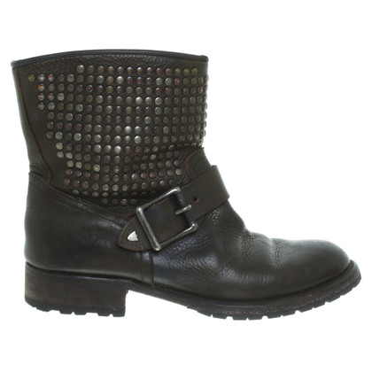 2Two Ankle boots with studs