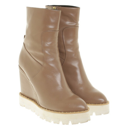 Paloma Barcelo Boots in Beige