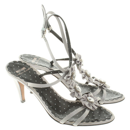 Moschino Cheap and Chic Riemchenpumps in Grau