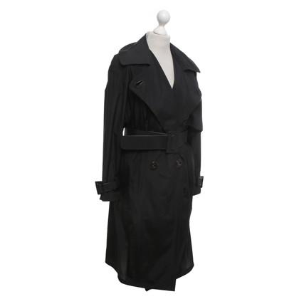 Ferre Trench coat in black