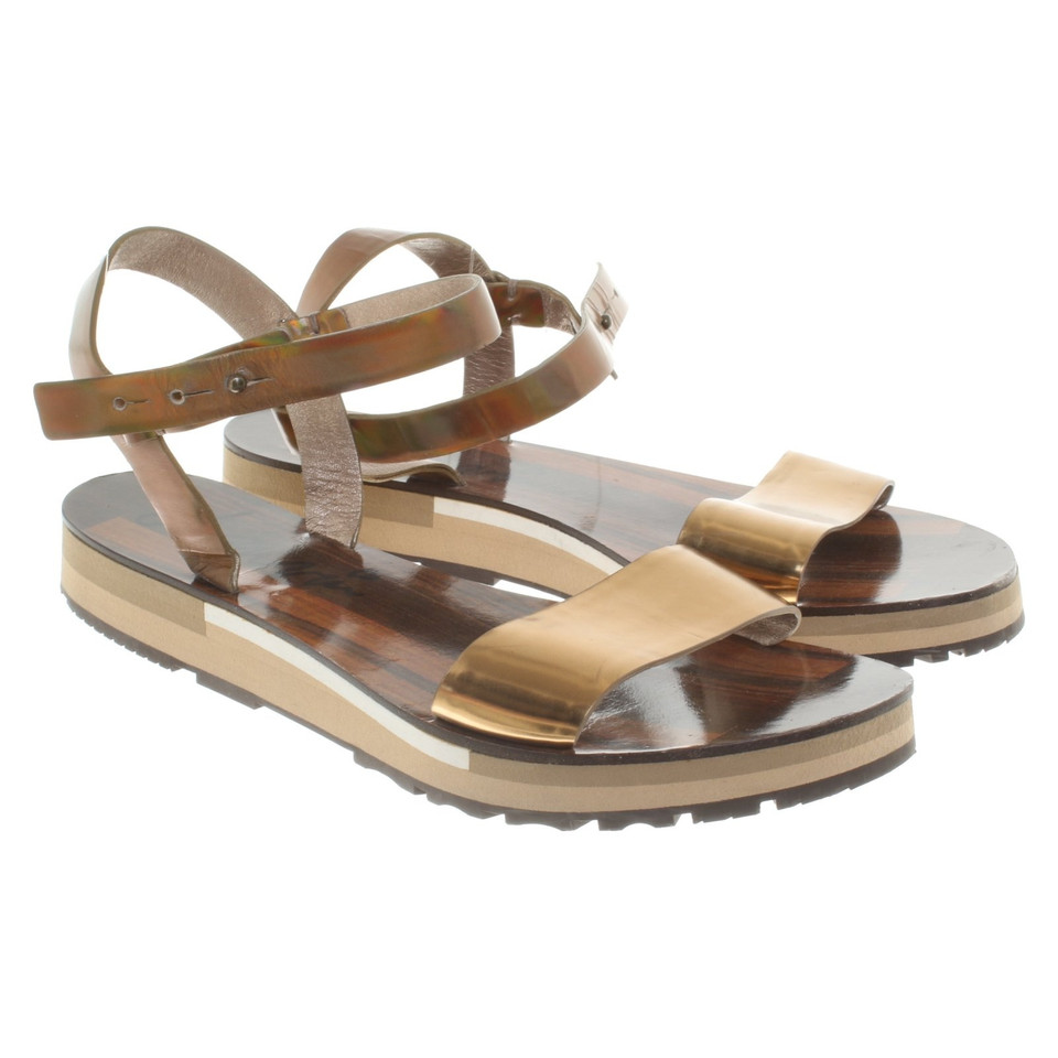 lanvin goldfarbene leder sandalen second hand lanvin goldfarbene leder sandalen gebraucht. Black Bedroom Furniture Sets. Home Design Ideas