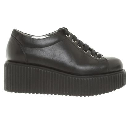 Karl Lagerfeld Plateau-Sneakers in Schwarz