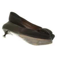 Salvatore Ferragamo Kitten-Heels in black