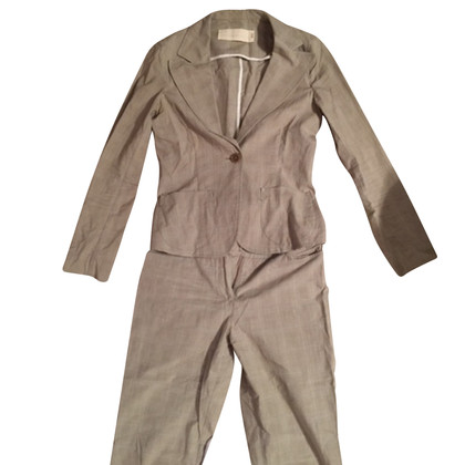 Schumacher Suit in beige