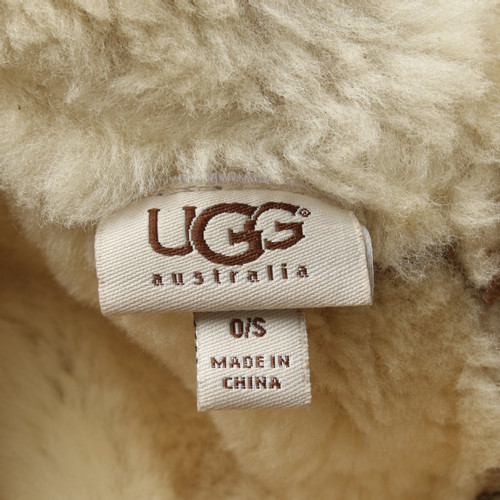 0462f9fb7 UGG Australia Hat/Cap Suede in Brown - Second Hand UGG Australia Hat ...