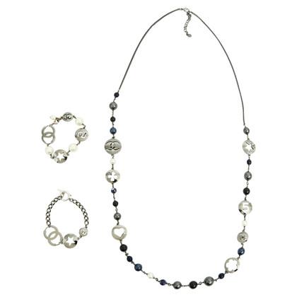 Chanel Halskette und Armbänder