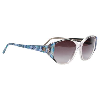 Givenchy Des lunettes de soleil
