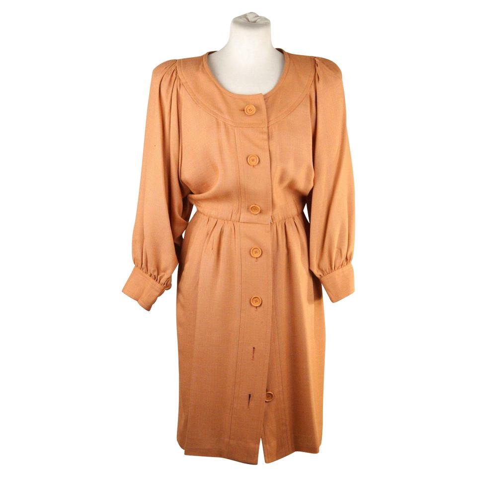 yves saint laurent robe acheter yves saint laurent robe second hand d 39 occasion pour 264 00. Black Bedroom Furniture Sets. Home Design Ideas