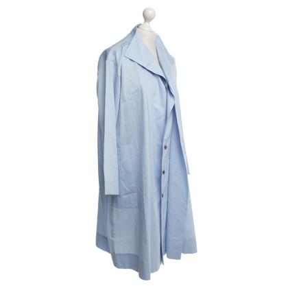 Issey Miyake Mantelkleid in Blau
