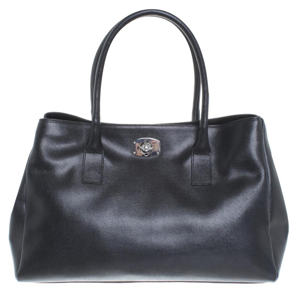 furla handtasche in schwarz second hand furla handtasche in schwarz gebraucht kaufen f r 199. Black Bedroom Furniture Sets. Home Design Ideas
