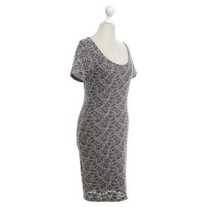 Velvet Kanten jurk in Taupe / Grijs