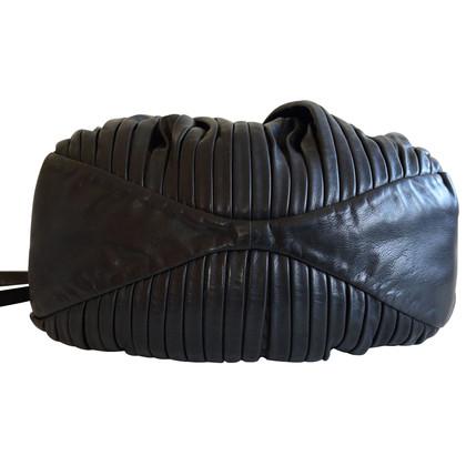 Miu Miu Handtas in zwart