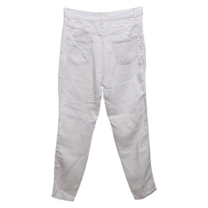 Closed trousers in cream