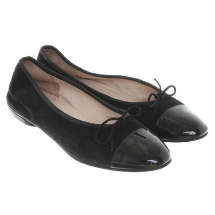 Chanel Ballerinas in black
