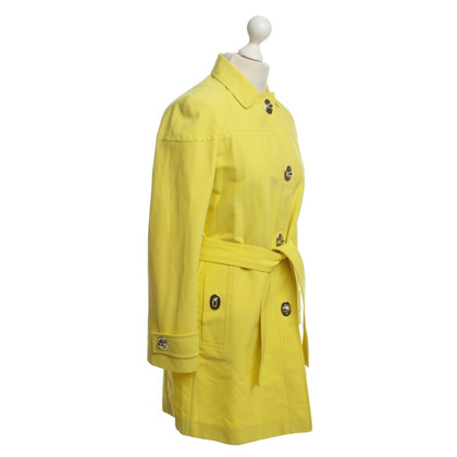 Gucci Yellow jacket with rotary Close