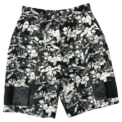 Alexander Wang Shorts with floral pattern